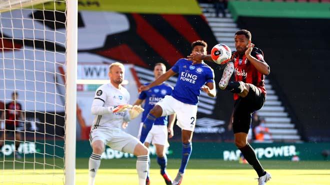 Rực lửa BXH Ngoại hạng Anh: Leicester thua thảm, MU vào top 3 đêm nay? - 1