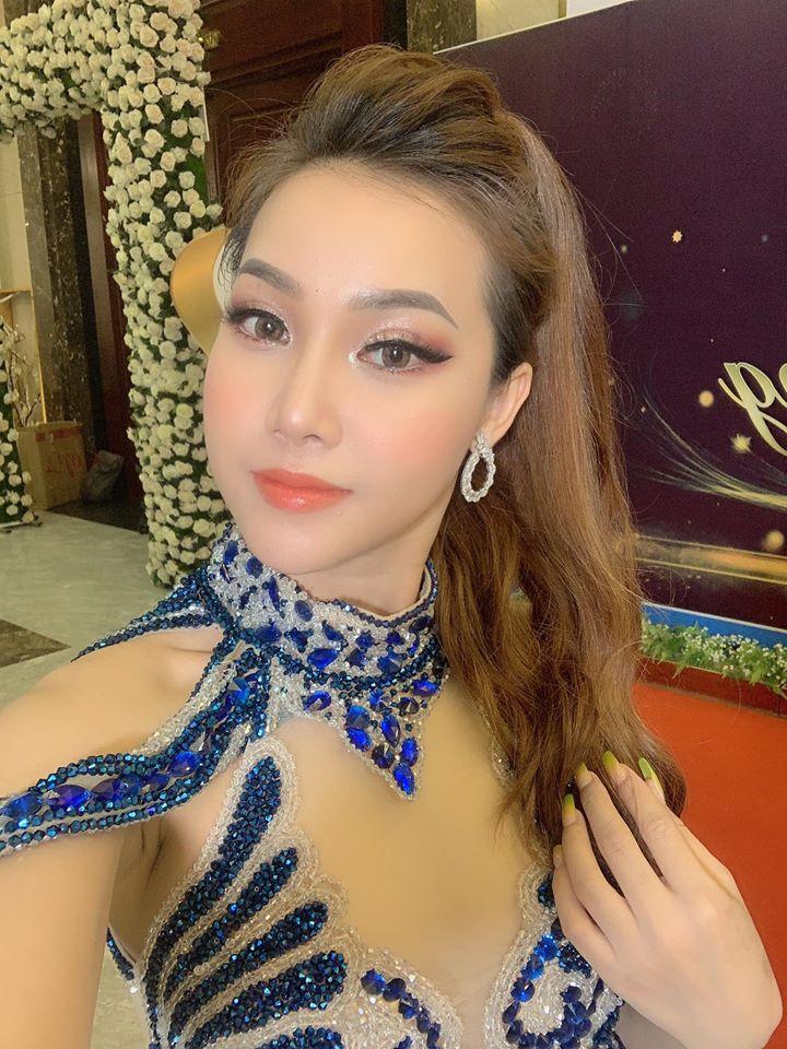Ngọc nữ bolero gây sốt với màn nhảy tình tứ cùng danh ca U70 Nguyễn Hưng là ai? - 12