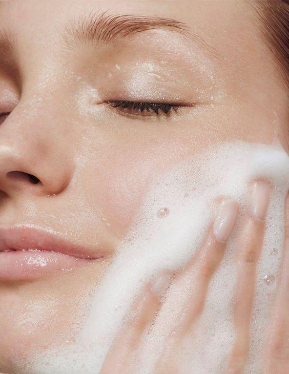 Bí quyết dùng mặt nạ than hoạt tính giúp làn da sáng mịn - 1