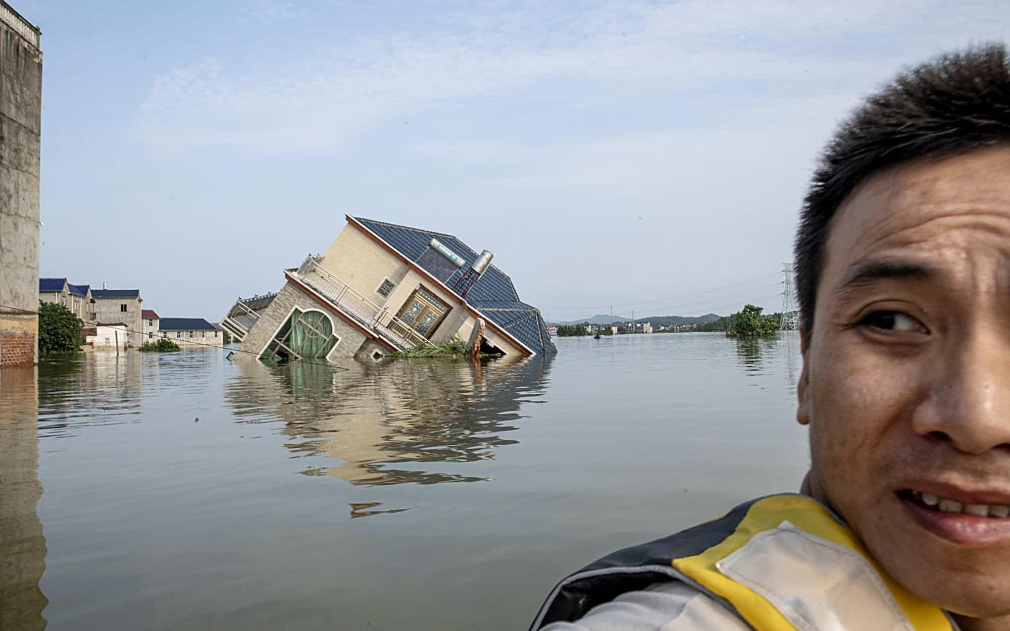 Nha May Thủy điện Tam Hiệp Chạy Hết Cong Suất Trong Lũ Lụt Lịch Sử