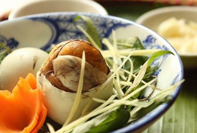 Những 'đại kỵ' khi ăn trứng vịt lộn không phải ai cũng biết để tránh rước họa vào thân - 2