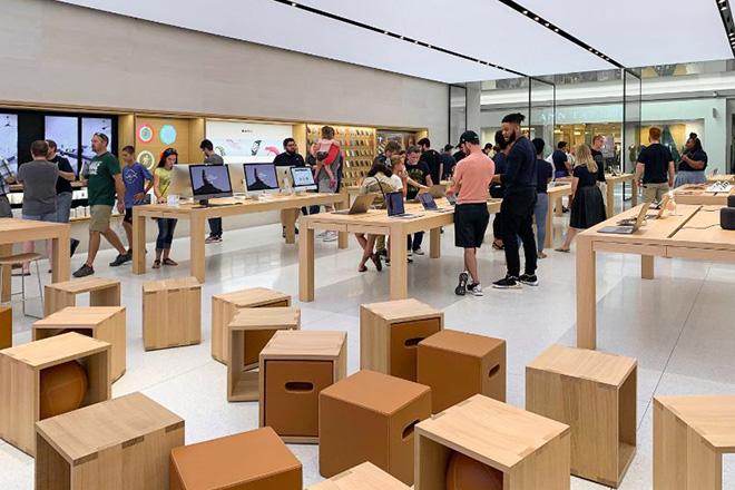 Chuyện gì đang xảy ra bên trong khu vực chăm sóc khách hàng của Apple? - 2