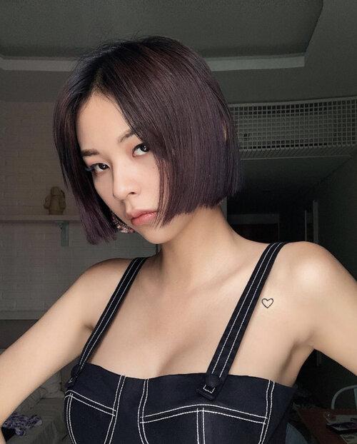 Học trò Hà Hồ diện váy áo hở vai để khoe hình xăm đặc biệt - 4