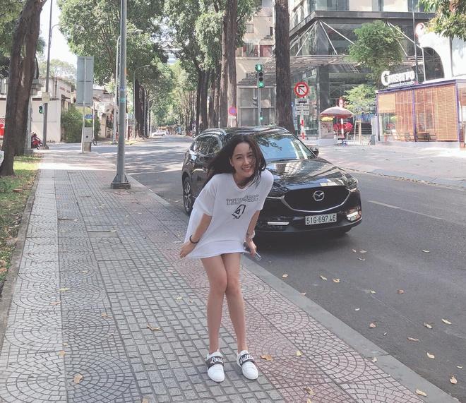 Bông hồng lai xinh đẹp nổi tiếng Sài thành quá táo bạo với mốt quần biến mất - 6