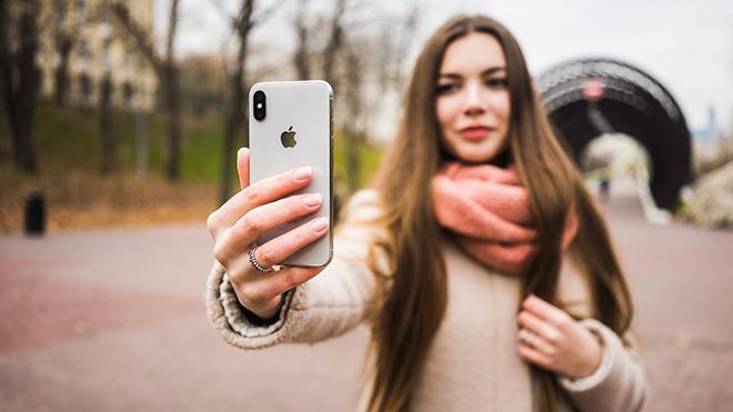 Sau gần 3 năm, có nên mua iPhone X lúc này? - 1