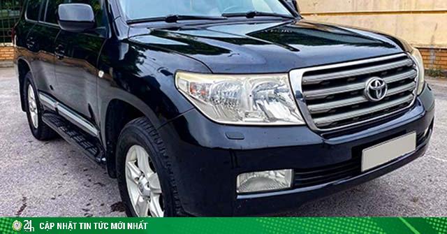 Toyota Land Cruiser máy dầu chạy hơn 10 năm bán giá gần bằng xe Explorer mới