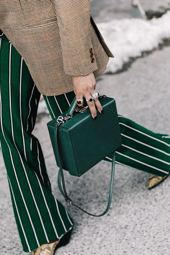 Cô gái thời trang sẽ không thể bỏ qua 5 kiểu túi xách này - 2