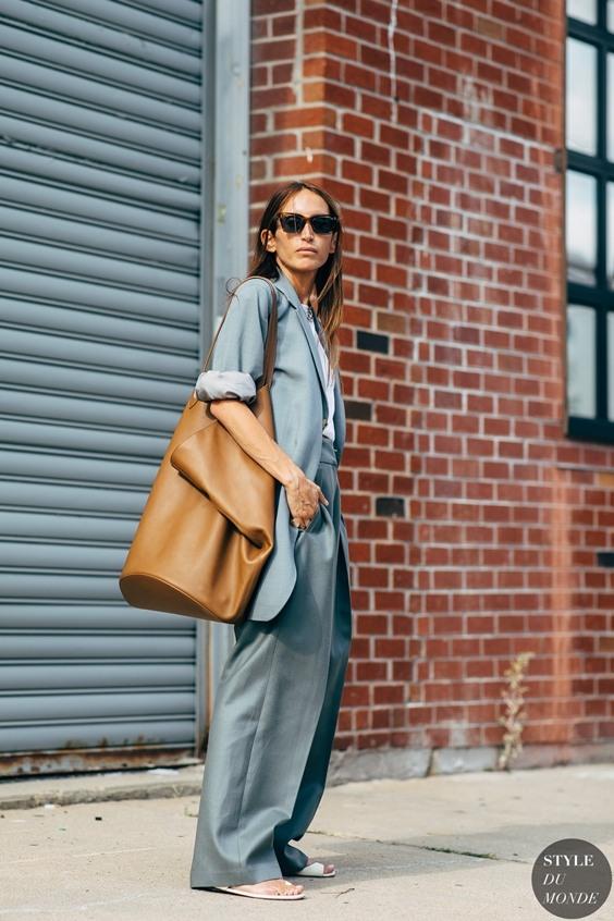 Cô gái thời trang sẽ không thể bỏ qua 5 kiểu túi xách này - 5