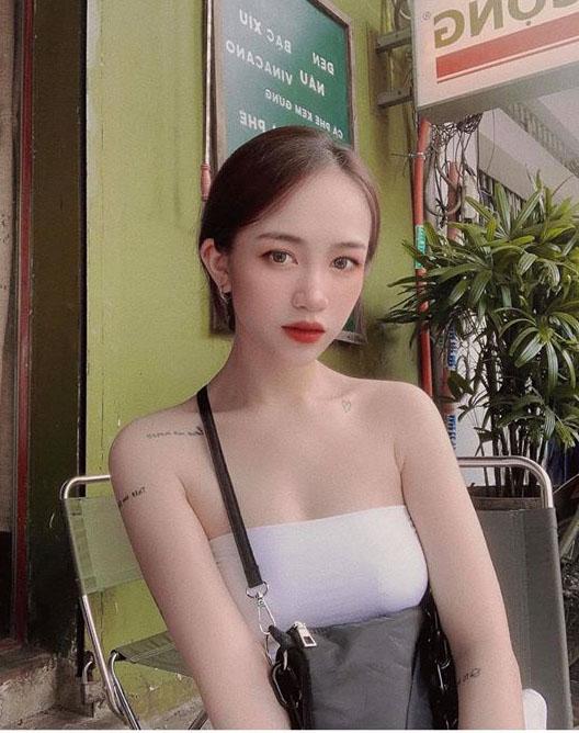 """Con gái đại gia Minh Nhựa """"nghiện"""" thời trang khoe vòng 1 chuẩn trend """"mẹ bỉm sữa"""" - 4"""