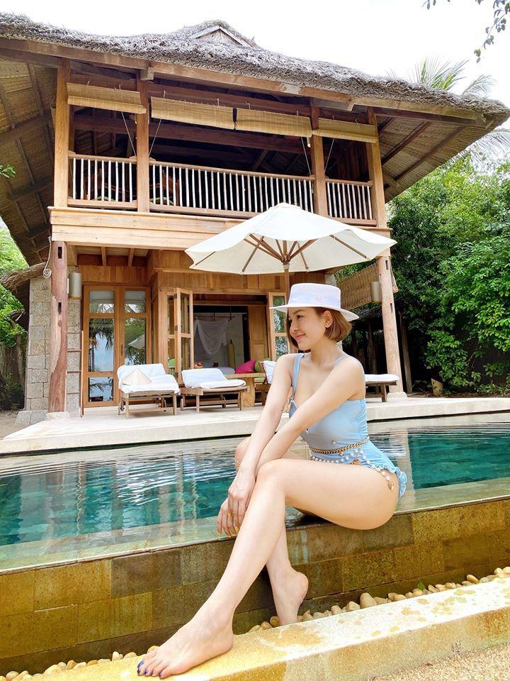 Hot girl Trâm Anh liên tục diện bikini khoe dáng nhờ kiểm soát được cân nặng - 1