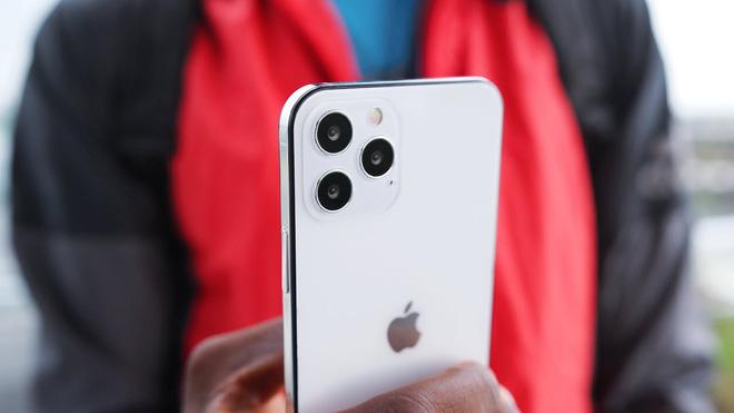 Apple phát hành iPhone 12 5G là điều Samsung không hề mong muốn - 1