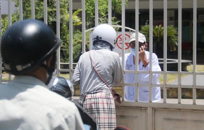 Bệnh viện C Đà Nẵng 'nội bất xuất, ngoại bất nhập' sau ca nghi mắc COVID-19 - 7