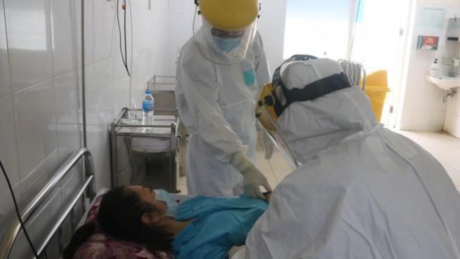 Bệnh viện C Đà Nẵng 'nội bất xuất, ngoại bất nhập' sau ca nghi mắc COVID-19 - 10