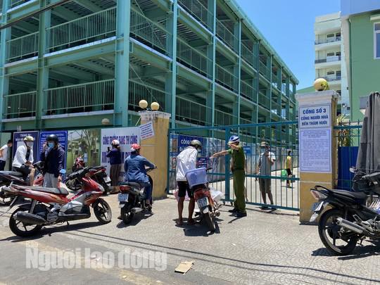 Chính thức cách ly toàn bộ Bệnh viện Đà Nẵng và lấy mẫu xét nghiệm hơn 2.000 nhân viên - 1