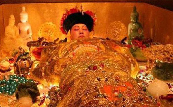 Bí mật rùng rợn về 100 đứa trẻ được chôn theo Từ Hy Thái Hậu, biết lý do người người đều căm phẫn - 4