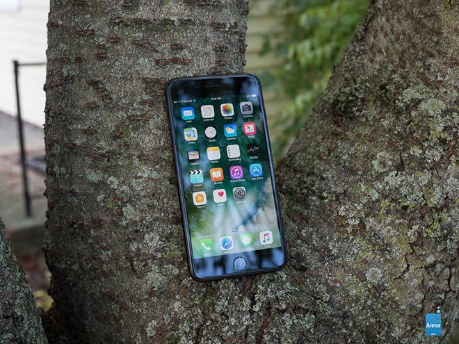 """Dù đã 4 năm tuổi nhưng chiếc iPhone này vẫn được """"sủng ái"""", giá tốt - 2"""