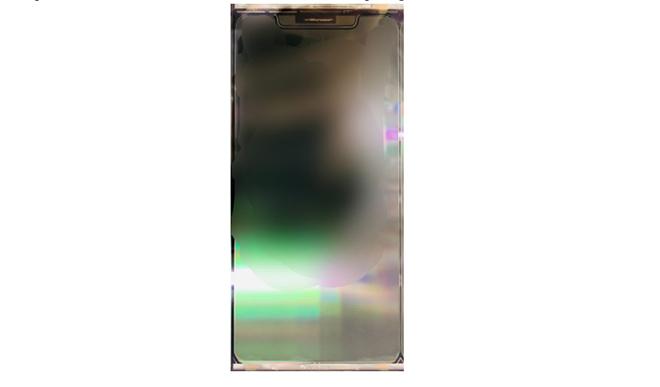 HOT: Rò rỉ ảnh thực tế iPhone 12 với màn hình 5,4 inch - 2