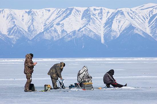 Câu cá trên hồ băng – trải nghiệm đậm chất bản địa tại Nga - 1