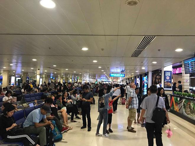 Hơn 18.000 người bay từ Đà Nẵng về TP.HCM trong 3 ngày qua - 1