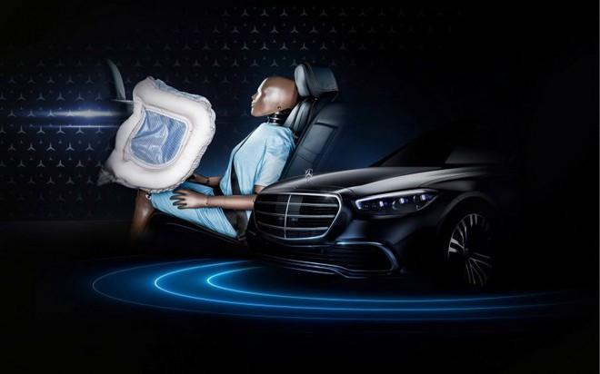 Mercedes-Benz S-Class 2021 nâng cấp siêu an toàn cho hàng ghế sau - 1