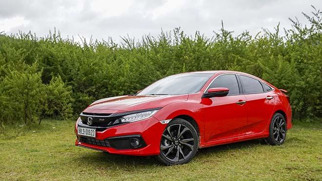 Đại lý Honda tung thêm màu độc cho dòng Civic RS tại Việt Nam - 5