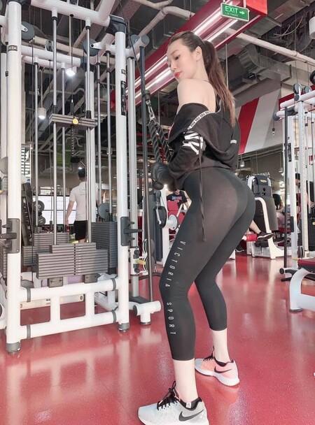 """Là """"nữ hoàng phòng gym"""" nhưng Khánh My vẫn thường gặp sự cố với đồ tập"""