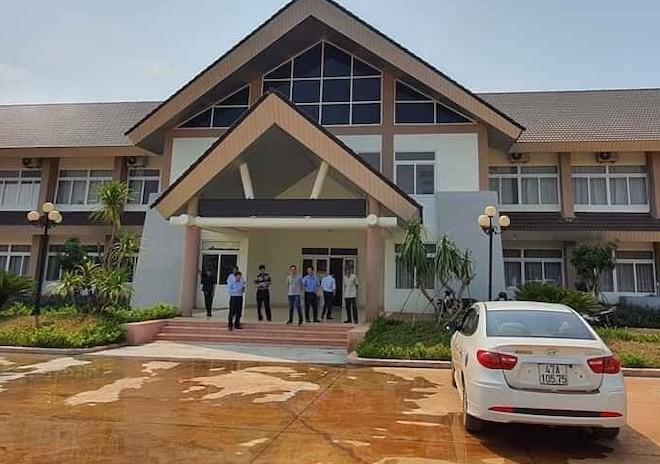Bệnh nhân mắc COVID-19 số 448 đi xe khách về Đắk Lắk, gọi Grab vào bệnh viện - 1