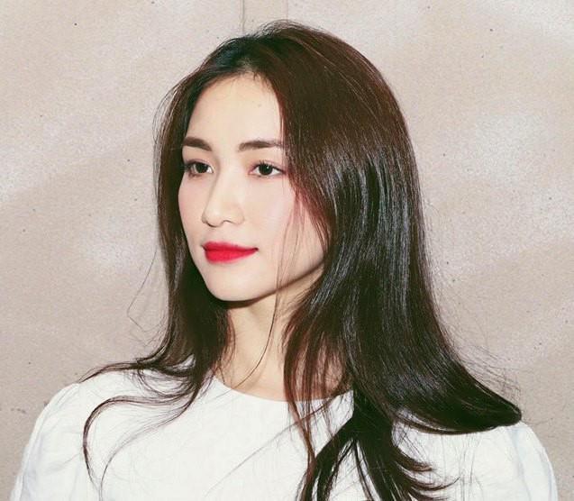 """Trước khi bị phạt 7,5 triệu đồng vì đưa tin COVID-19 sai, Hòa Minzy nhiều lần bị """"ném đá"""" - 7"""