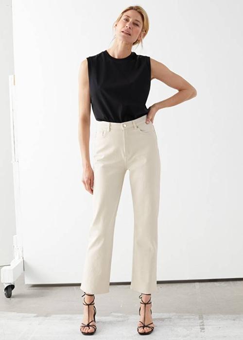Quần jeans ống loe, màu ngà voi sẽ là xu hướng quần jeans lớn nhất mùa thu 2020 - 16