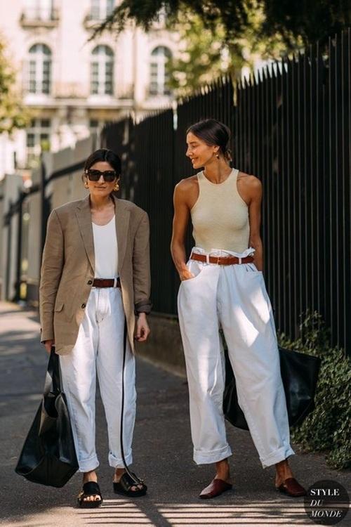 Quần jeans ống loe, màu ngà voi sẽ là xu hướng quần jeans lớn nhất mùa thu 2020 - 17
