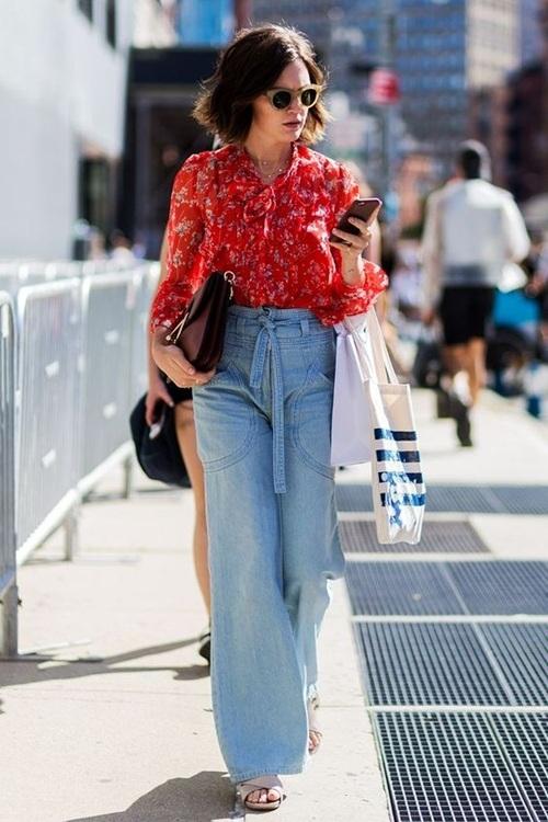 Quần jeans ống loe, màu ngà voi sẽ là xu hướng quần jeans lớn nhất mùa thu 2020 - 11