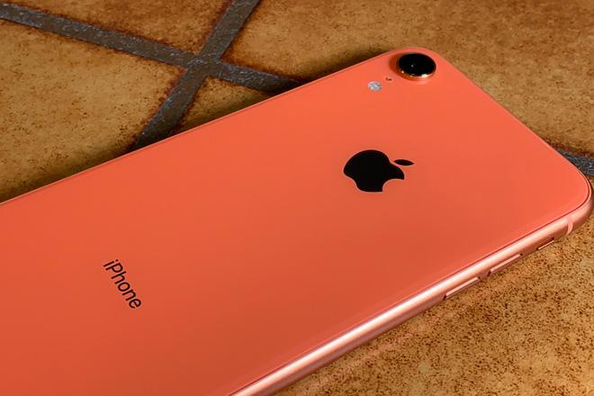 Chiếc iPhone giá rẻ này bỗng là lựa chọn hợp lý mùa dịch COVID-19 - 4
