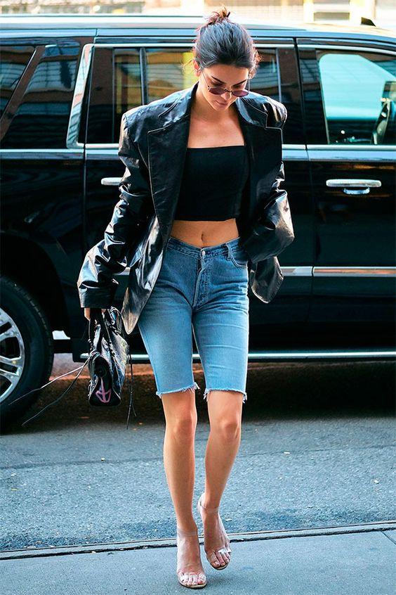 6 cách cô gái Pháp đang mặc quần denim short cổ điển trong mùa hè này - 7