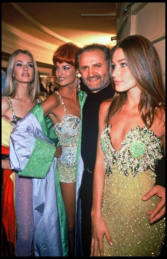 Thiên tài Gianni Versace yểu mệnh và đế chế thời trang danh tiếng - 2