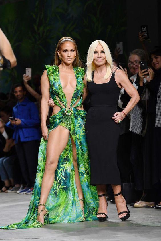 Thiên tài Gianni Versace yểu mệnh và đế chế thời trang danh tiếng - 4