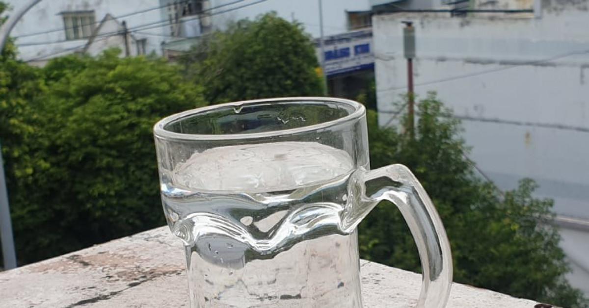 Uống đủ nước giúp tăng cường sức khỏe trong mùa COVID-19 - 1