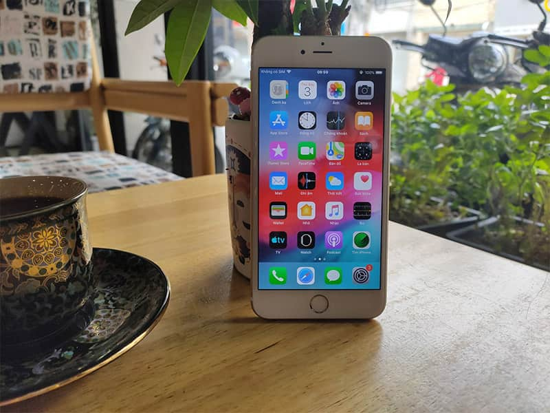 Chiếc iPhone này vẫn sang chảnh, hiệu năng mạnh mẽ và quan trọng là... giá rẻ - 3