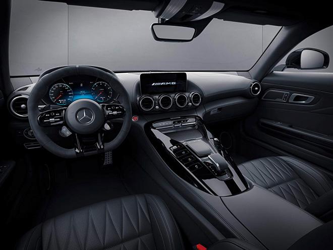 Siêu xe Mercedes-Benz AMG GT chính thức ra mắt, đi kèm một số nâng cấp mới - 9