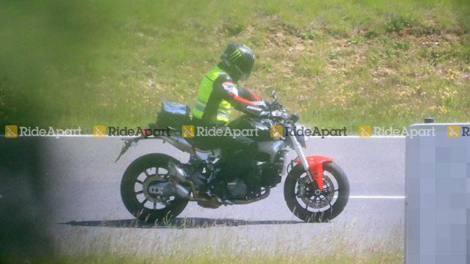 """Lộ ảnh thực tế của """"quái thú"""" Ducati Monster 2021 - 3"""