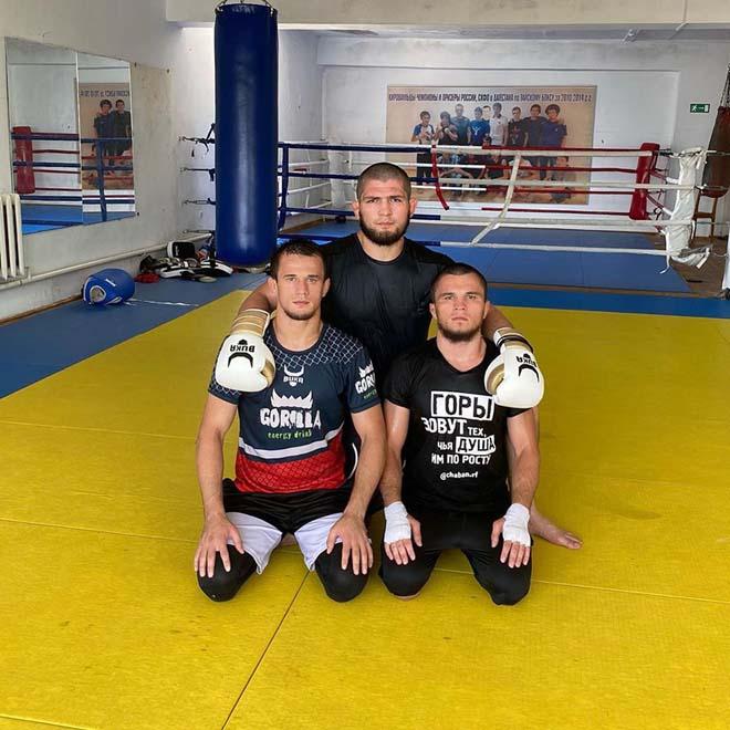 """""""Đại bàng"""" Khabib vang danh UFC, em họ sắp """"phá đảo"""" ONE Championship - 1"""