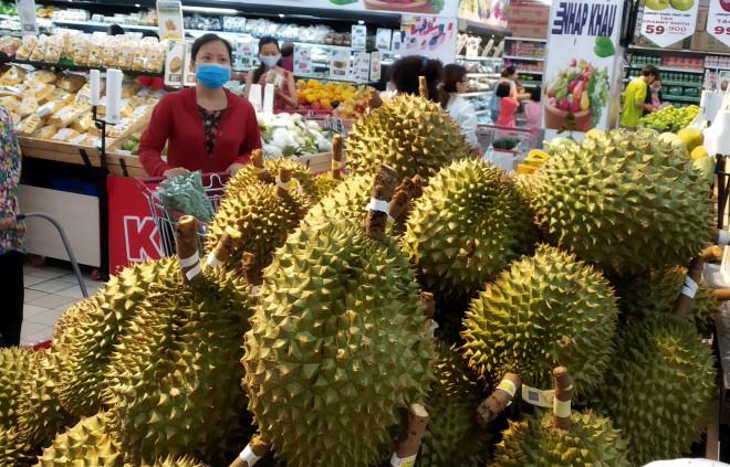 Sầu riêng Malaysia giá tiền triệu vẫn cháy hàng giữa lúc sầu riêng Việt rẻ rề - 3