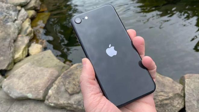 """Chiếc iPhone này mạnh hơn iPhone XS mà người dùng iPhone 7 nên """"lên đời"""" - 4"""
