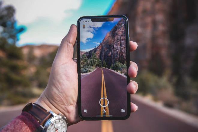 Chiếc iPhone từng bị ném đá lại mở ra kỷ nguyên mới cho smartphone - 1