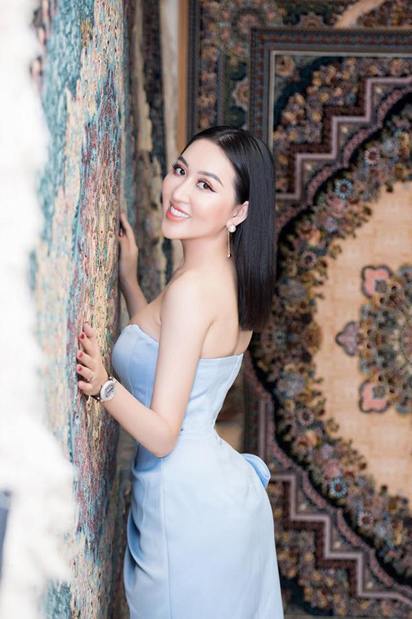 Hoa hậu Huỳnh Thúy Anh lấn sân sang lĩnh vực kinh doanh tranh thảm Ba Tư