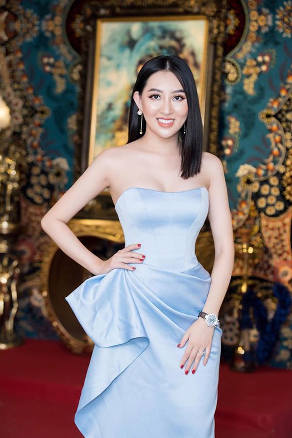 Hoa hậu Huỳnh Thúy Anh lấn sân sang lĩnh vực kinh doanh tranh thảm Ba Tư - 3