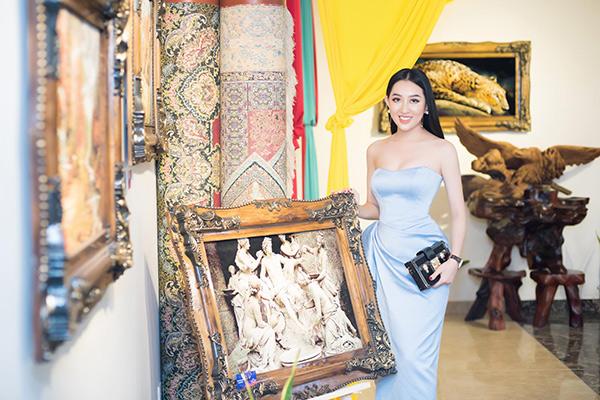 Hoa hậu Huỳnh Thúy Anh lấn sân sang lĩnh vực kinh doanh tranh thảm Ba Tư - 4