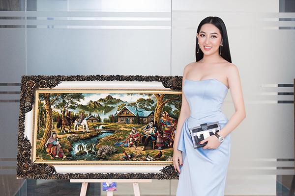 Hoa hậu Huỳnh Thúy Anh lấn sân sang lĩnh vực kinh doanh tranh thảm Ba Tư - 6