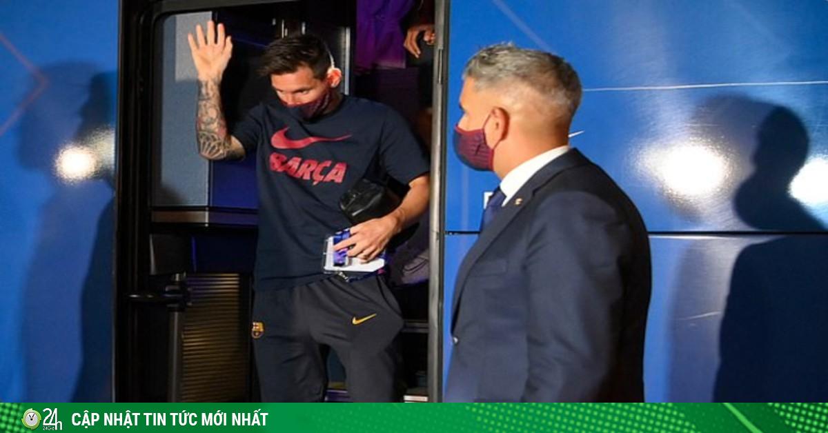 Tin HOT bóng đá sáng 16/8: Messi và các đồng đội nhận mưa gạch đá