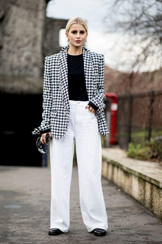 6 kiểu họa tiết xinh mùa mát dành cho quý cô sành mặc - 6