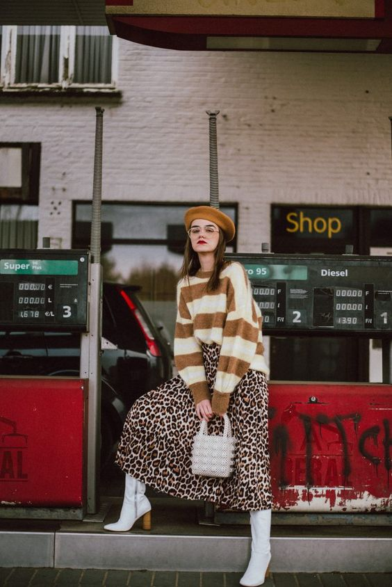 6 kiểu họa tiết xinh mùa mát dành cho quý cô sành mặc - 9